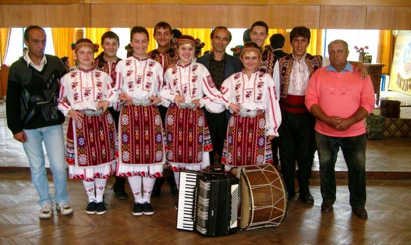 Oresh Dance Group 2004